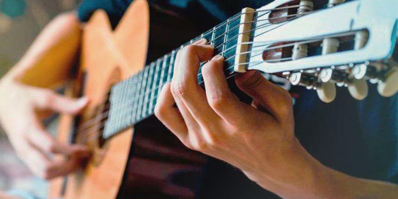 Как сыграть самую простую мелодию на гитаре - советы начинающим